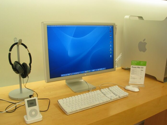 MacBook Air e Led Cinema Display 24″: il Duo degli anni 2000