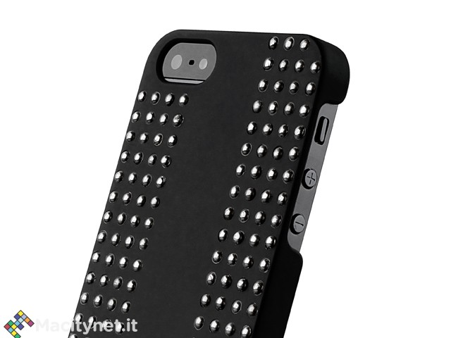 Recensione: cover Puro Rock, custodia con borchie e stile aggressivo per iPhone