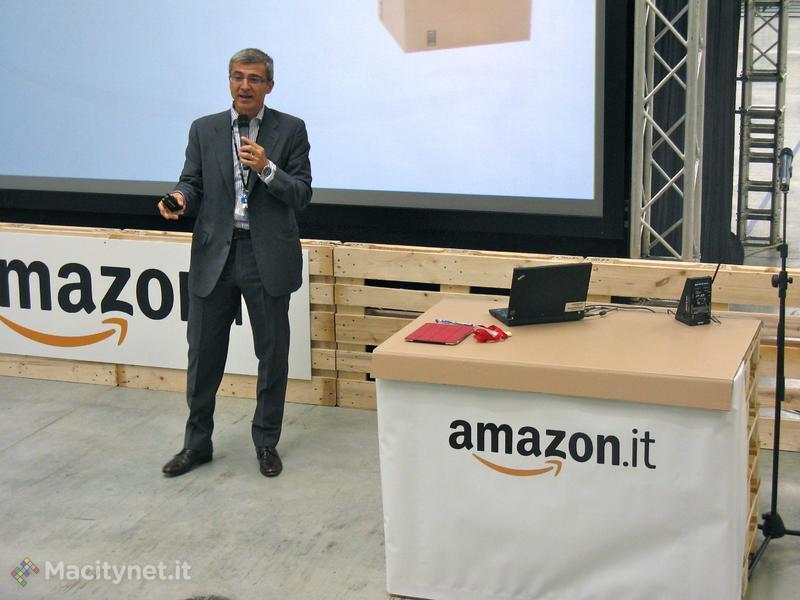 In azione sul palco Diego Piacentini, Senior Vice President International di Amazon