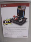Al CES Ion ha presentato anche iCade Core: si tratta di un iCade senza cabinet. Offre joystick e pulsanti in stile arcade per giocare con iPad: arriverà entro l'estate