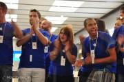 Apple Store Il Leone: fotogallery dell'allestimento e della festa di inaugurazione