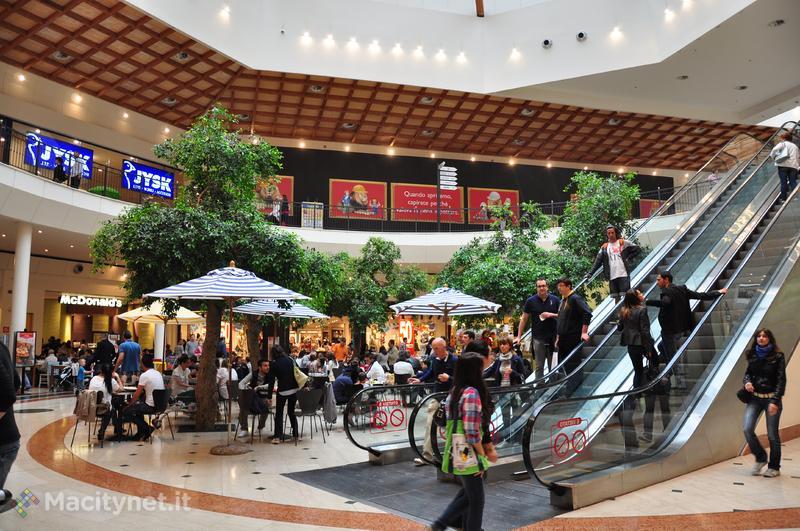 Apple Store Il Leone: nuove immagini dal centro commerciale