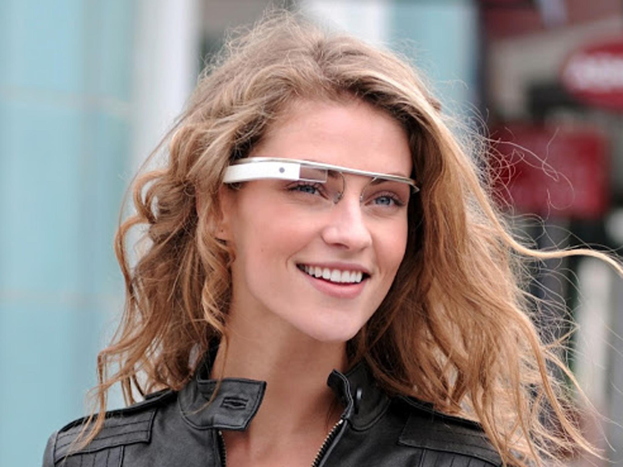 Gadget indossabili: Cook prevede che Google Glass sarà di nicchia, il polso è più naturale