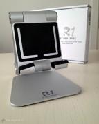 Ecco il supporto nella sua posizione naturale pronto ad accogliere iPad
