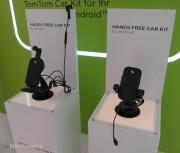 Visto @ IFA 2012: il kit TomTom Kit vivavoce pronto per iPhone 5 e il software sempre più social