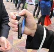 Visto@CES 2013: Snappgrip è l'impugnatura che trasforma iPhone in una digicamera punta e scatta