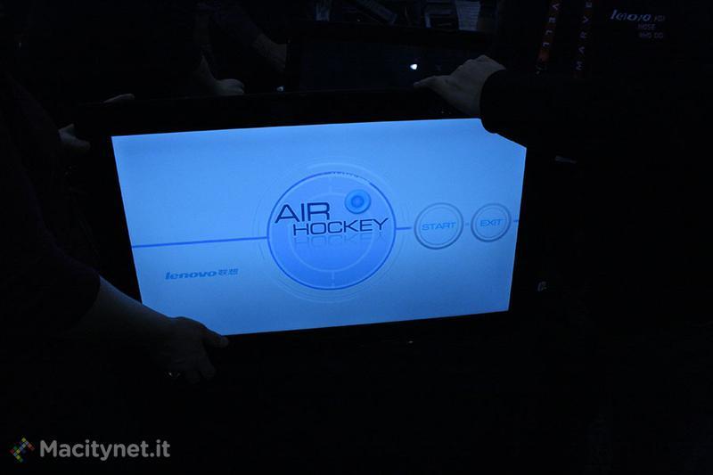CES 2013, Lenovo Table PC, il tablet che voleva essere un tavolino