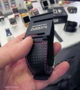 Visto al CES 2012: Le soluzioni per indossare al polso iPod nano touch da Hex e iWatchz