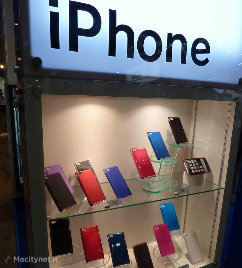 CEATEC 2011: ancora custodie iPhone 5 con profilo affusolati