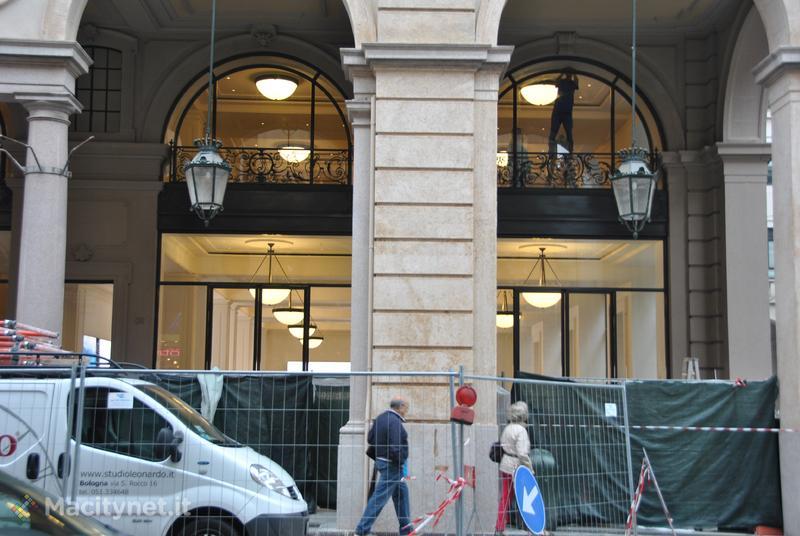 Apple Store via Roma di Torino: uno sguardo all'interno