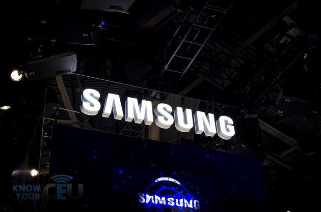 Samsung, le novità estive: Ativ Q, Galaxy NX e Galaxy S4 Zoom