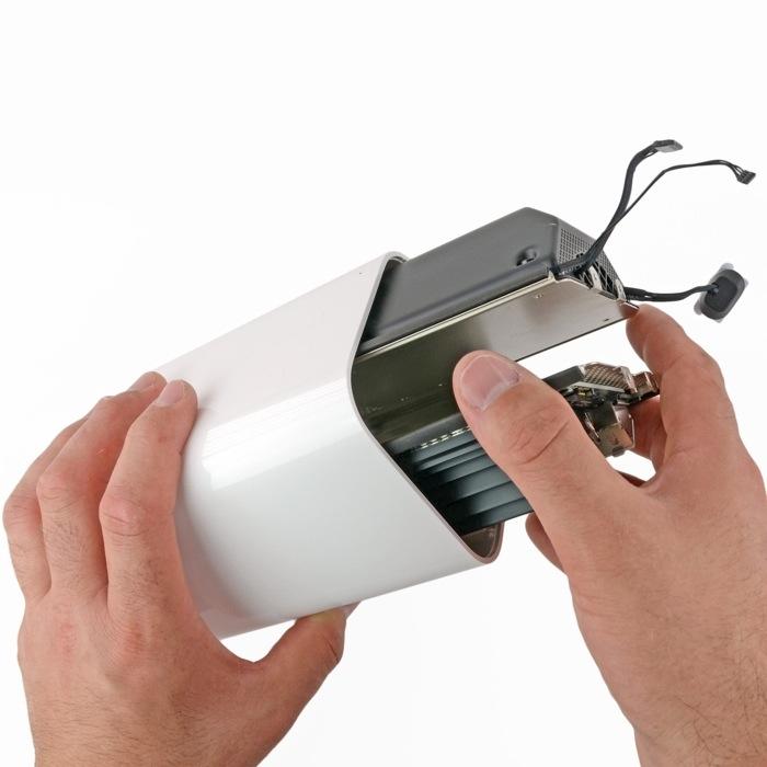Nuova AirPort Extreme: all'interno sono integrati alimentatore, dissipatore e anche una ventola