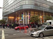 La lunga fila per il Keynote WWDC 2013: il video e le foto esclusive di Macitynet