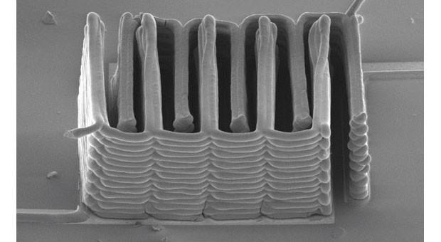Una micro-batteria creata con una stampante 3D