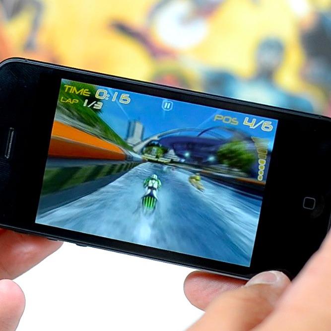 UK: tablet e smartphone erodono il mercato delle console