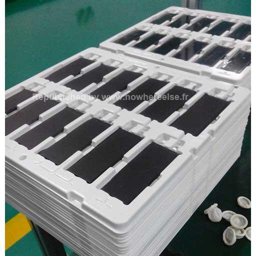 iPhone 5S, spuntano le foto delle batterie