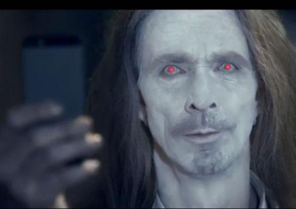 """Spot Nokia: la fotocamera iPhone """"zombifica"""" gli utenti"""
