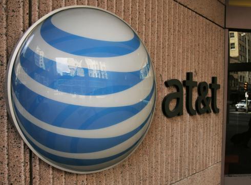 AT&T venderà dati a Google e Facebook, privacy sempre più a rischio