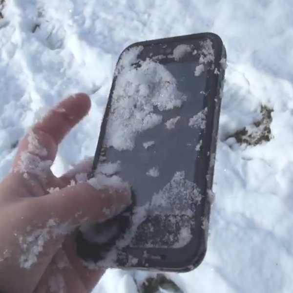 Le custodie LifeProof resistenti a tutto ora disponibili in Italia per iPhone e iPad