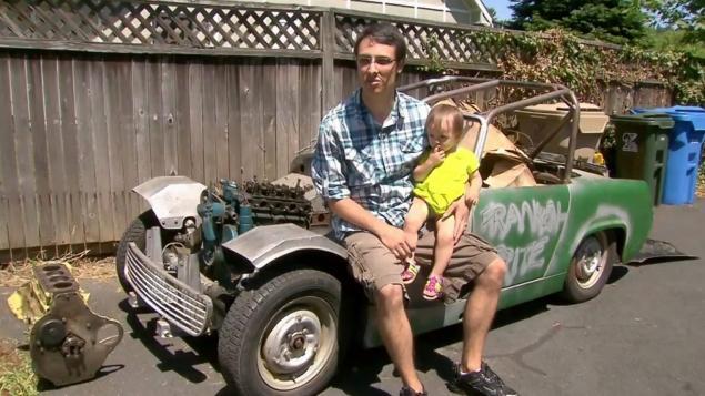 Facile iPhone: bimba di 14 mesi compra auto su eBay