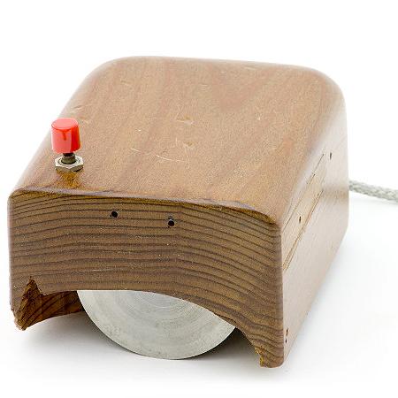Addio a Douglas Engelbart, fu l'inventore del mouse