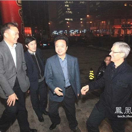 Tim Cook in Cina: la visita in preparazione del lancio dei nuovi iPhone?