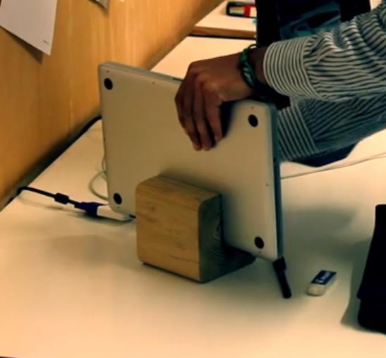 wustand, lo stand per Mac e iPad made in Italy cerca finanziamenti su Indiegogo