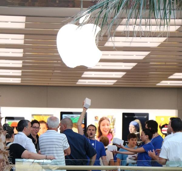 Apertura Apple Store Rimini: la festa
