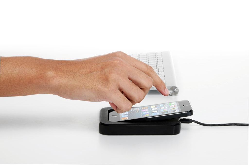 Bluelounge Saidoka, il dock iPhone che reinterpreta il dock