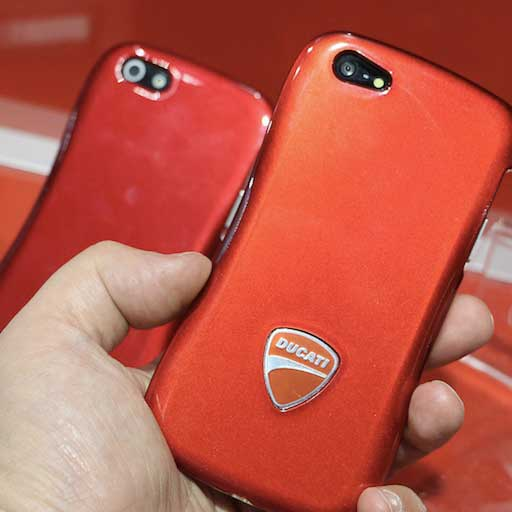 IFA 2013, le cover Ducati Dracodesign per iPhone 5C e 5S