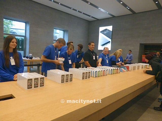 Apple Store Berlino iPhone 5S