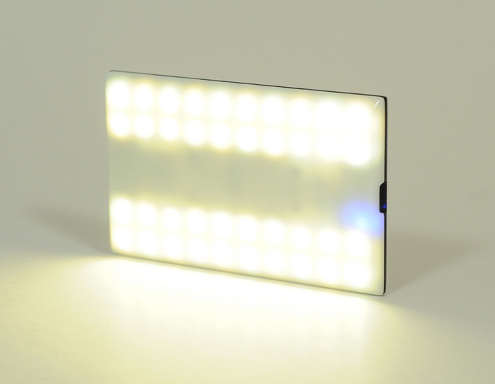 Nova, flash versatile per iPhone in crowdfunding su Kickstarter