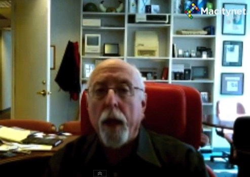 Interview with Walt Mossberg on iPhone 5S, iOS 7, Android and the future of Apple