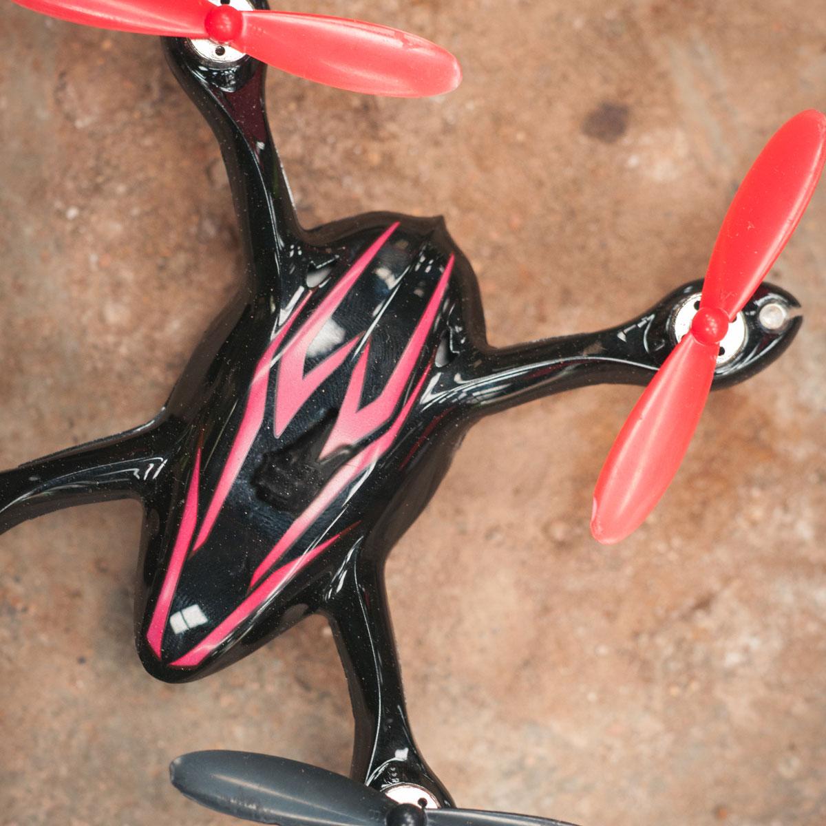 Micro Drone con videocamera per riprese aeree in sconto a 69$