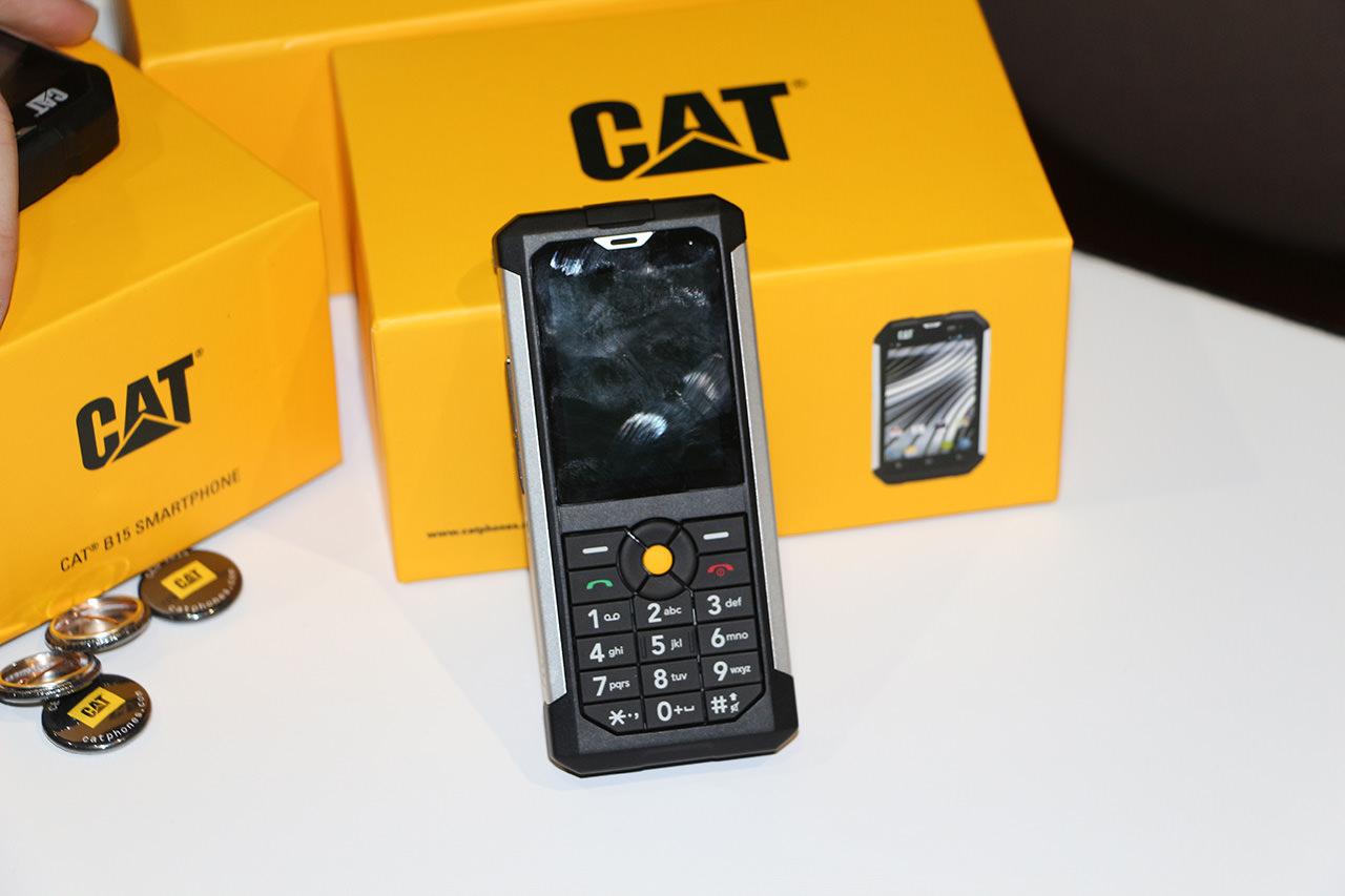 CES 2014, il telefono Caterpillar a prova di tutto ...