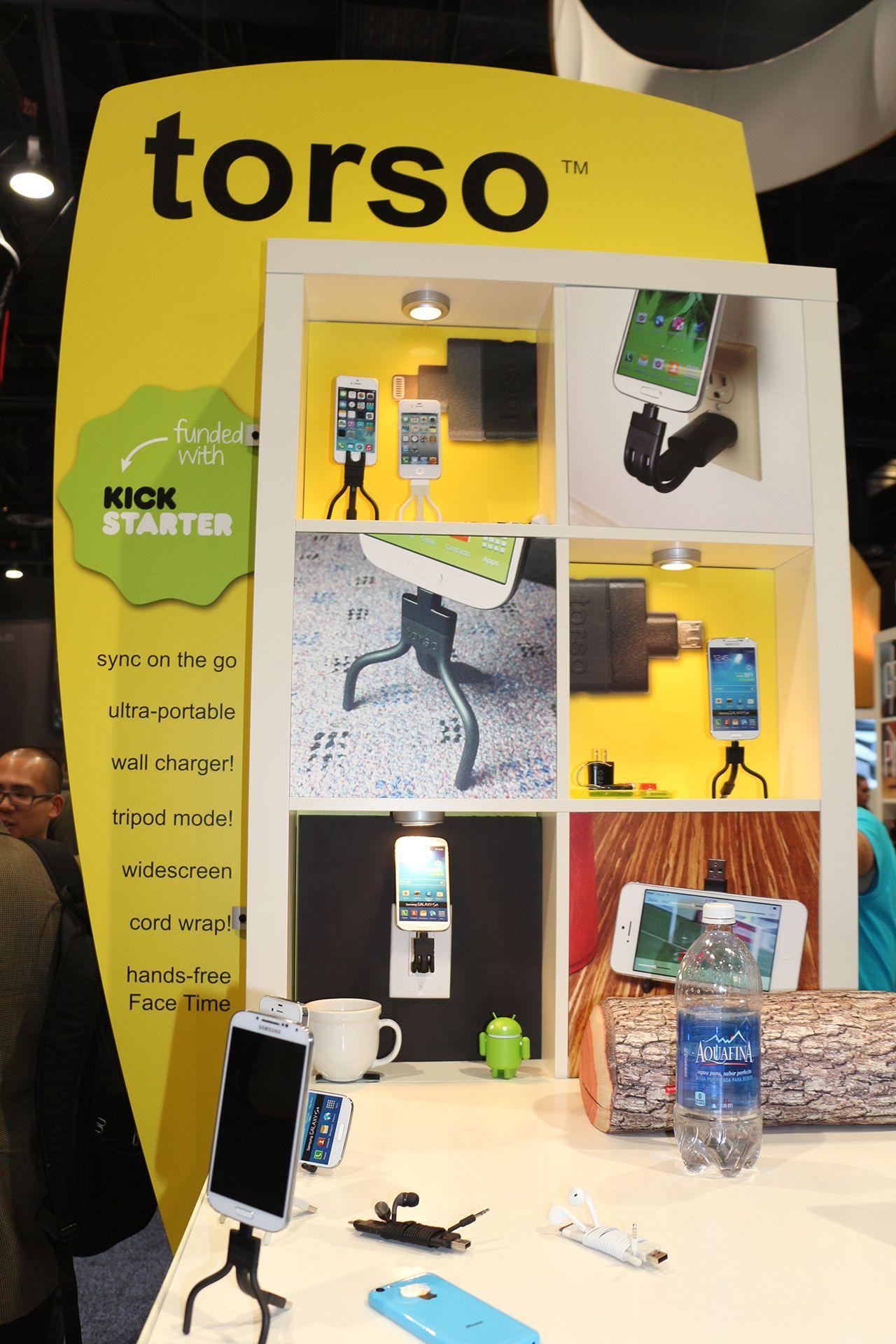 """CES 2014: Torso, il carica gadget che si """"piega"""" alle nostre esigenze"""