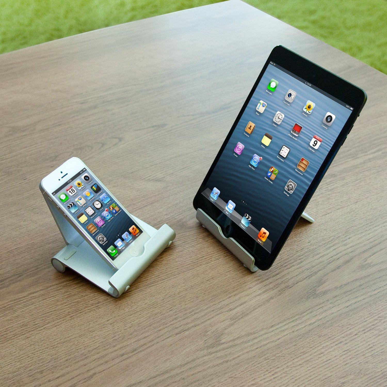 Stand regolabile in alluminio per iPhone e iPad: 15 euro su Amazon