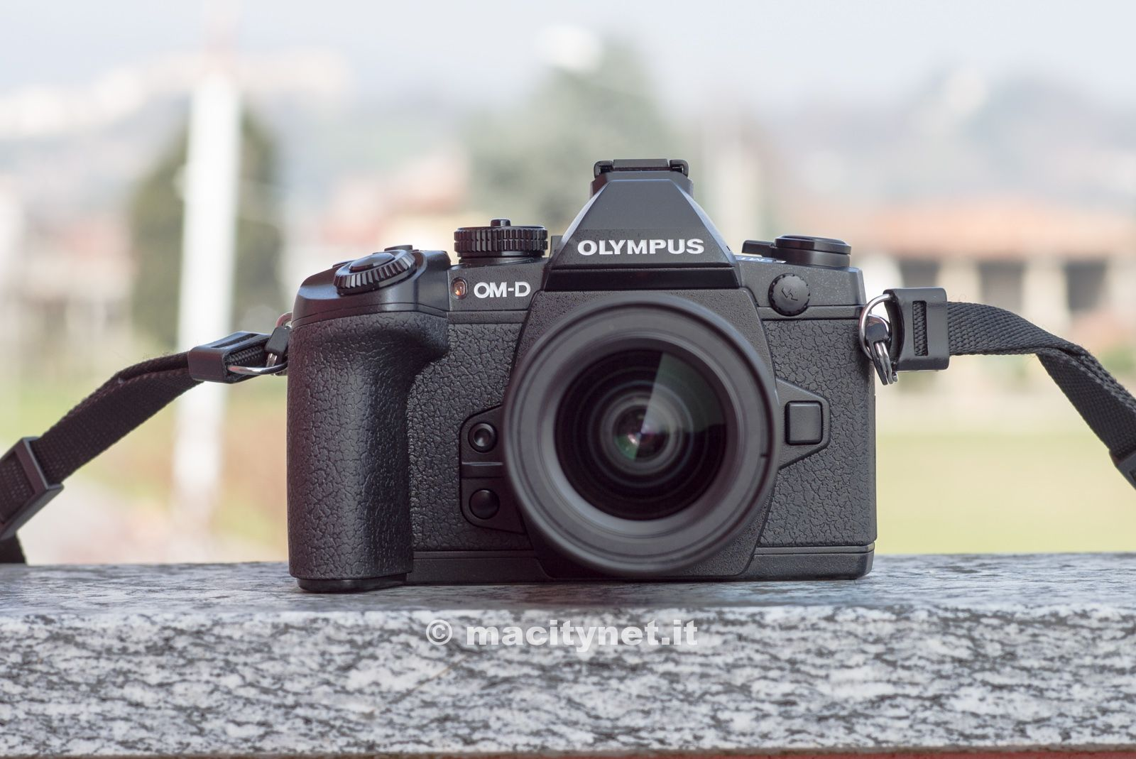 Olympus OM-D E-M1 fotocamera-1