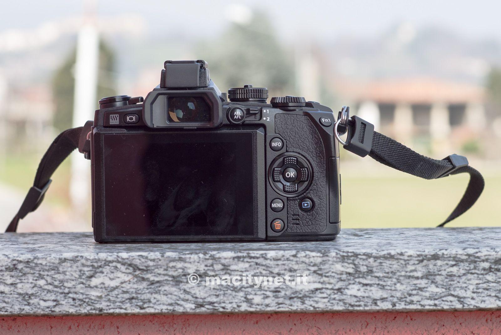 Olympus OM-D E-M1 fotocamera-2