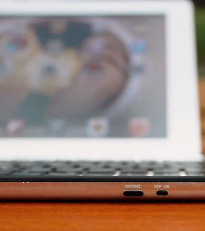 Custodia-tastiera per iPad