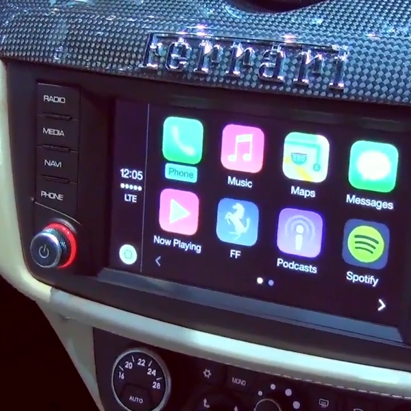 carplay sulla ferrari FF icon 600