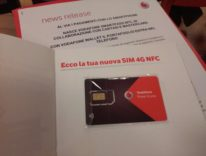 La SIM del cellulare paga il conto con Vodafone Wallet e SmartPass NFC