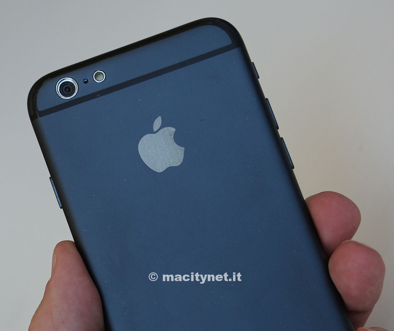 iPhone 6 vs iPod touch 5G
