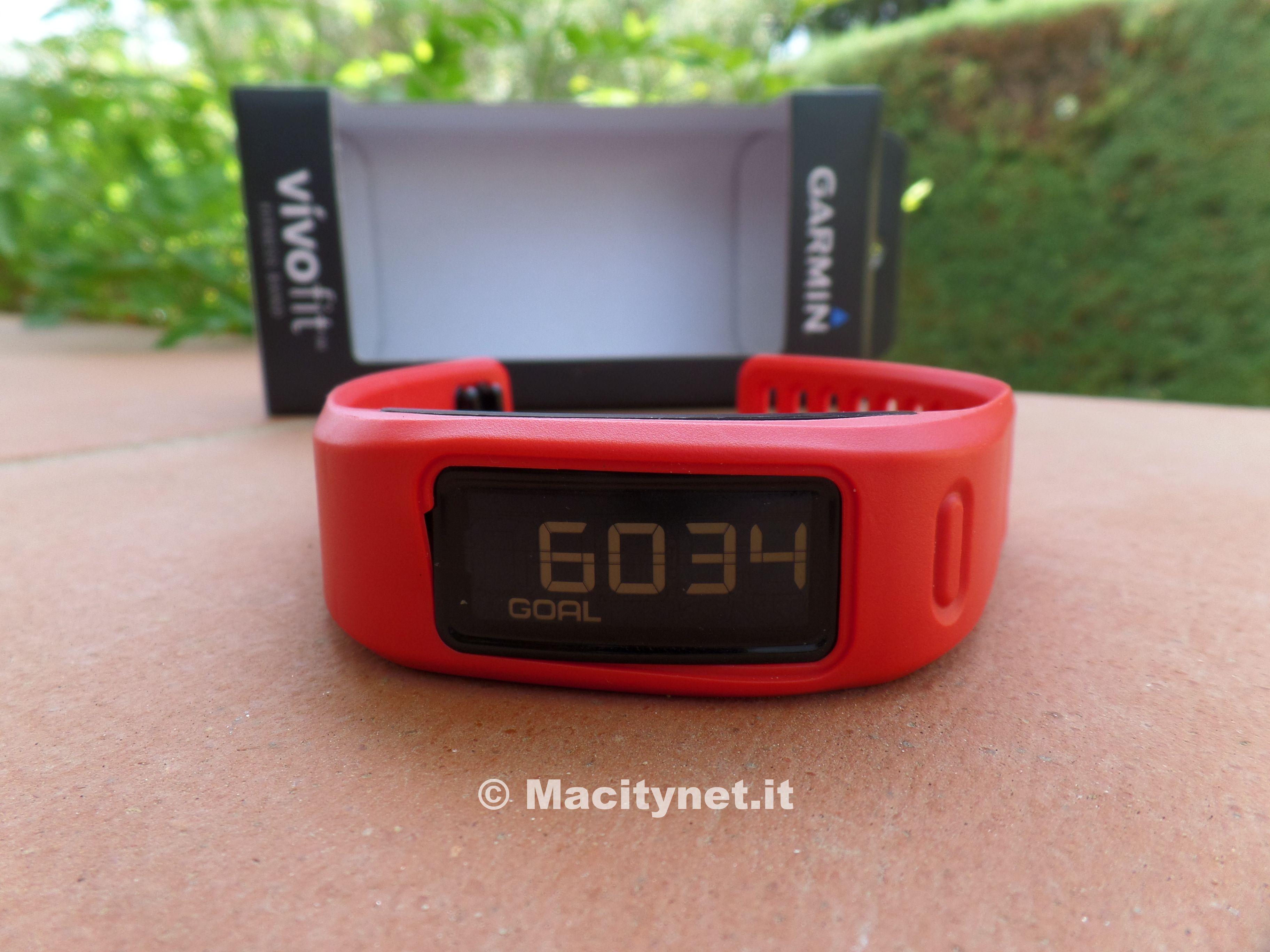 Recensione Garmin VivoFit, il bracciale fitness da indossare 24 ore al giorno
