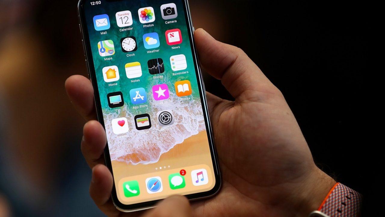 Tasto accensione iPhone bloccato: come sbloccarlo - Scopri la Mela