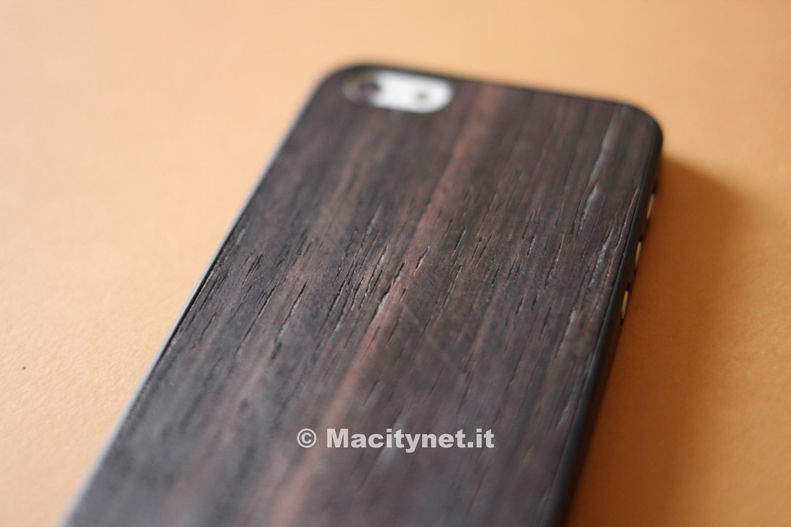Recensione O!coat 0.3 Wood