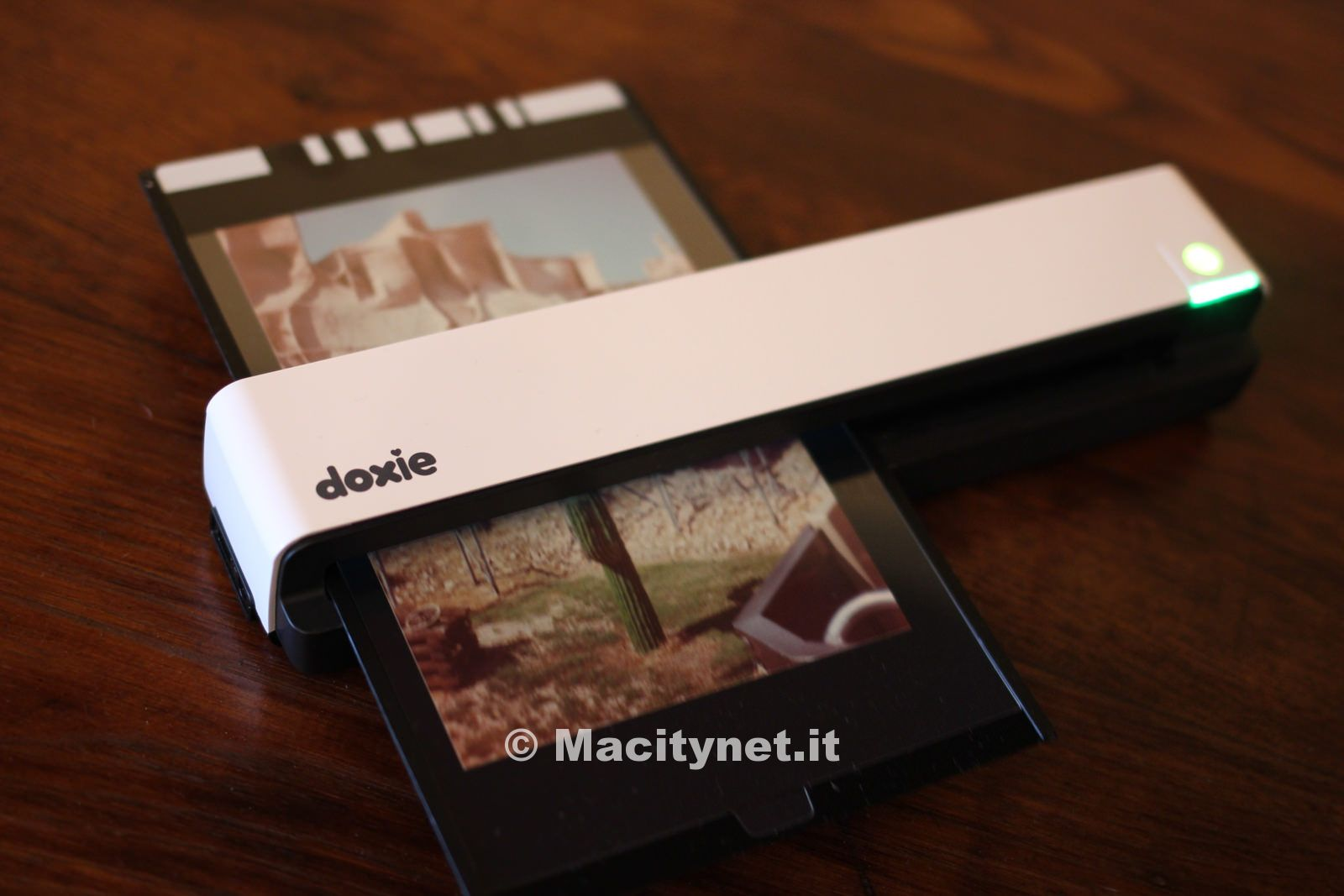 Recensione Doxie Go, lo scanner portatile per acquisire foto e documenti in mobilità