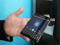 BlackBerry offre fino a 550 dollari a chi cede iPhone e passa a BlackBerry Passport