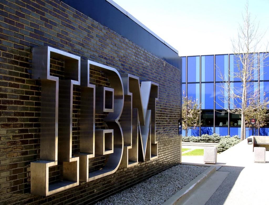 Trimestrale nera per IBM