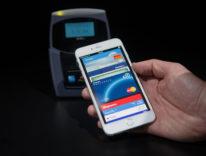 iPhone come biglietto per l'autobus o una chiave, grazie all'NFC